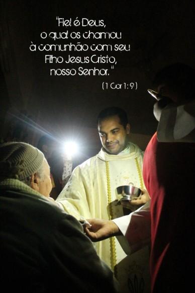 """""""fiel é deus, o qual os chamou à comunhão com seu filho jesus cristo, nosso senhor. """" ( 1 cor 1 : 9 )"""