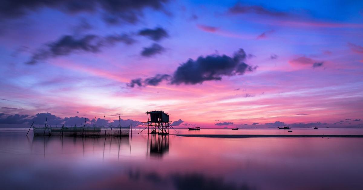 Sky,                Horizon,                Afterglow,                Red,                At,                Morning,                Reflection,                Sunset,                Calm,                Dawn,                Sunrise,                Dusk,                Backgrounds,                 Free Image