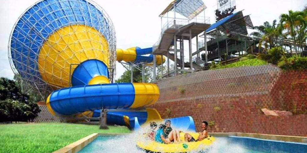 Amusement,                Park,                Water,                Leisure,                Recreation,                Swimming,                Pool,                Centre,                Resort,                Chute,                White,                Black,                Yellow,                 Free Image
