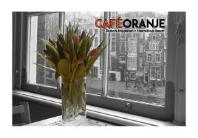 cafe oranje 4