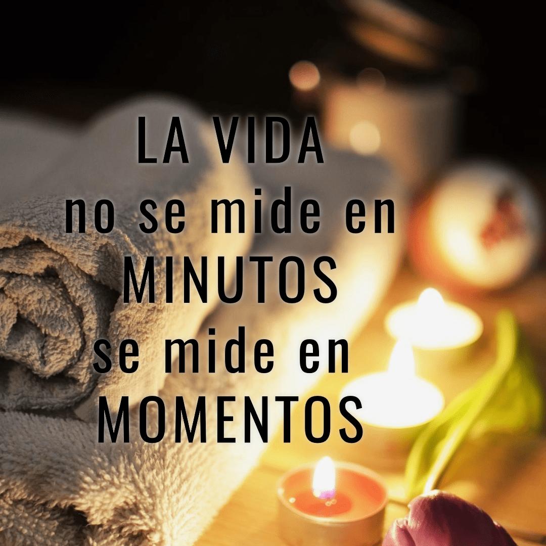 Text,                Font,                Photo,                Caption,                Momentos,                Relajarte,                Minutos,                Frases,                Versos,                Felicidad,                White,                Black,                Yellow,                 Free Image
