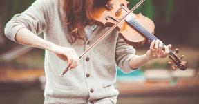 #Photo #FreePhoto #viola #violin #musical #violist #grey #sweater #string