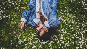 #Photo #Photography #girl #photograph #plant #UNSPLASHIMAGE #grass