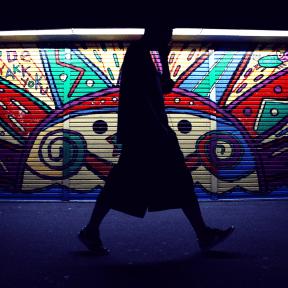 Photo Filter - #PhotoEffect #PhotoFilter #PhotographyFilter #Silhouette #street #phone #glass #mural