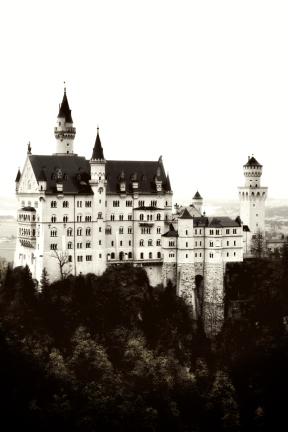 Photo Filter - #PhotoEffect #PhotoFilter #PhotographyFilter #mountain #sky #alps #castle #tours #building